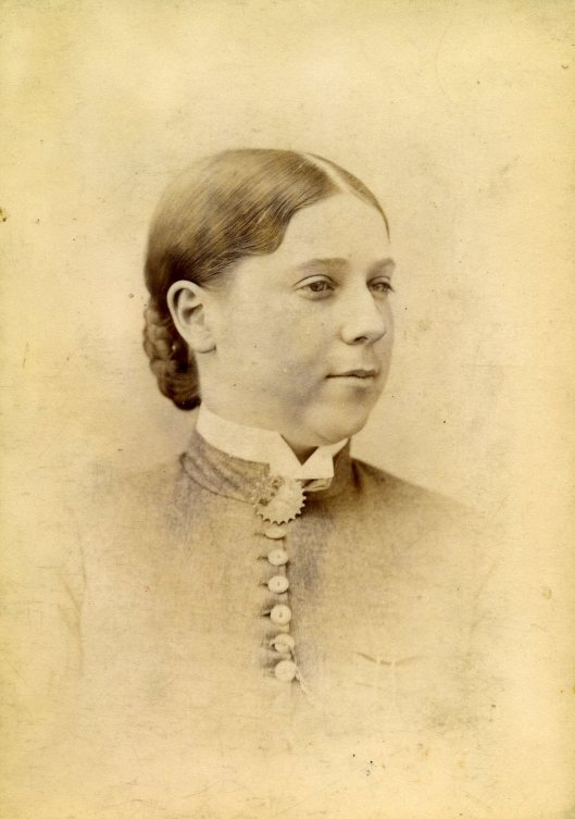 Edith Mary Manly - born 12-14-1866 - Australia (18 yrs old)